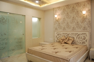 Master's bed room