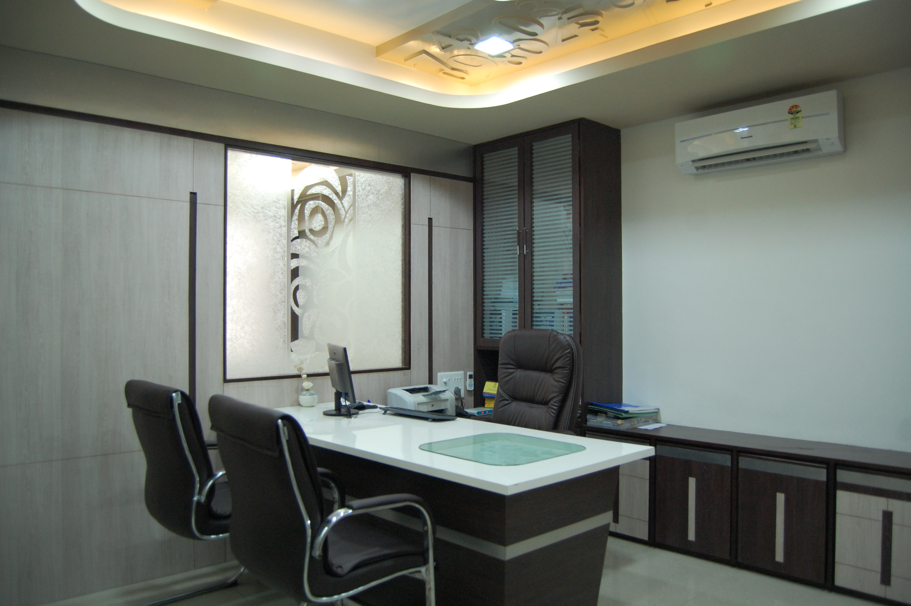 Boss Cabin Interior Design